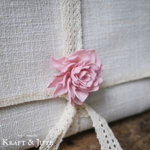 photo packaging with Sola flower accessory